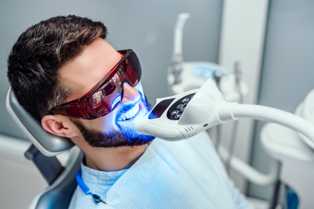 Why is it Worth Your Teeth Whitened at the Dental Clinic?